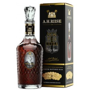 A.H. Riise Non Plus Ultra Very Rare Rum med box